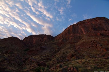 Sunrise on the cliffs above the Colorado River