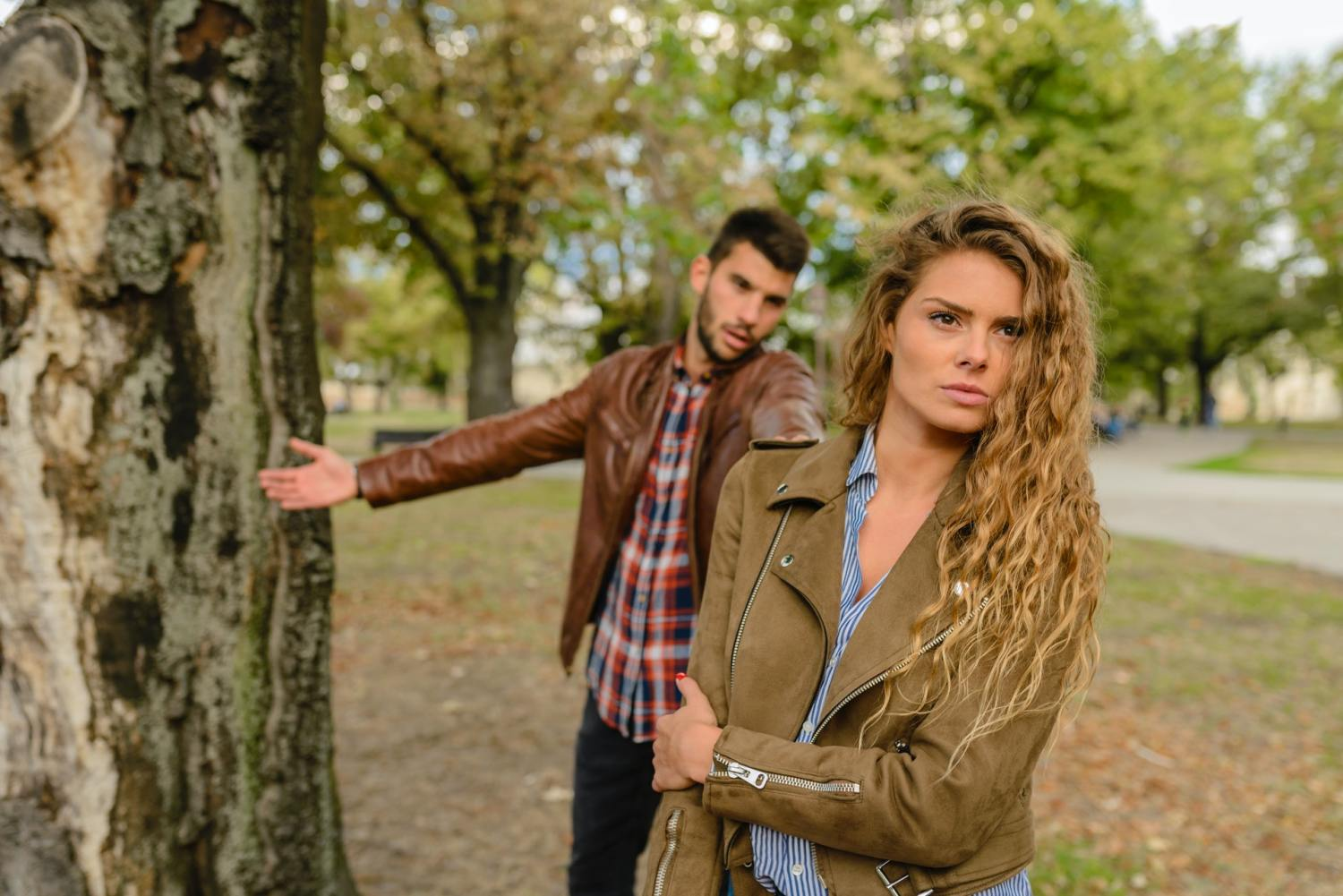 7 Signs Your Relationship Is Not Worth The Effort Anymore, Let It Go