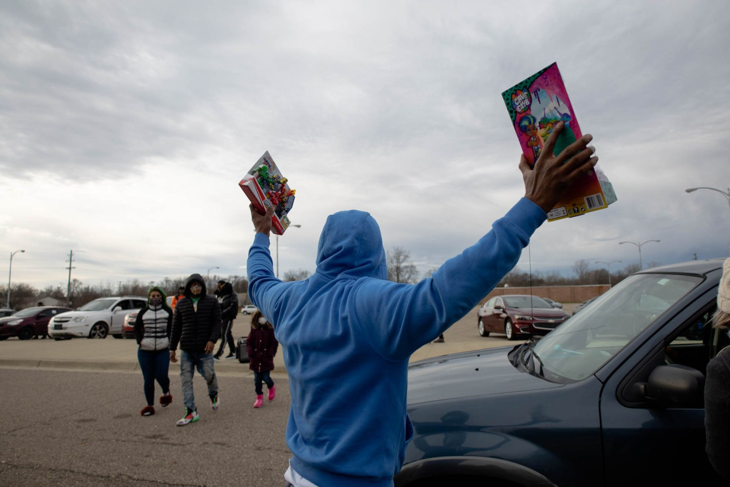 rapper 'coochie man' donates over $10k worth of toys to flint kids for christmas