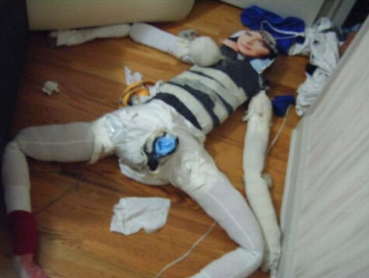 girl discovers boyfriend's horrific homemade sex doll after his house got burgled