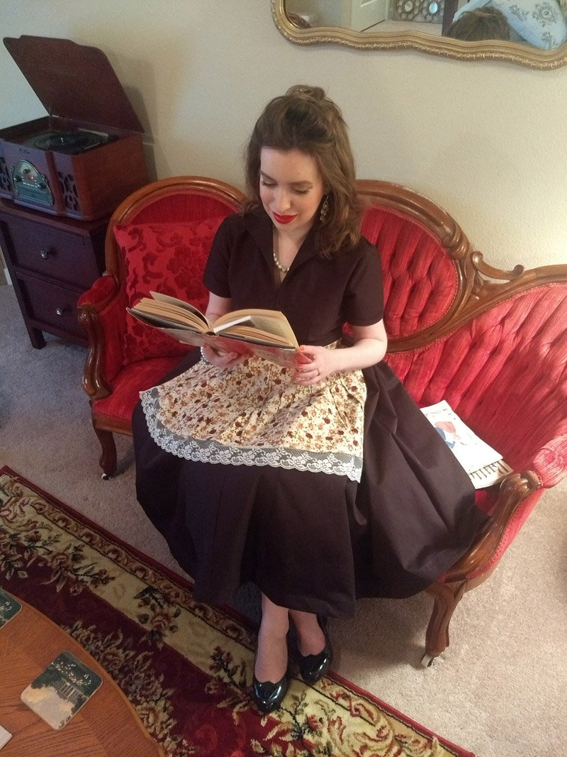 woman quits job and ditches modern lifestyle to live like a '1950s housewife'