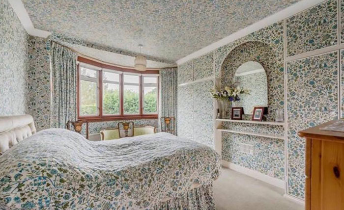 25 hilariously terrible photos taken by real estate agents