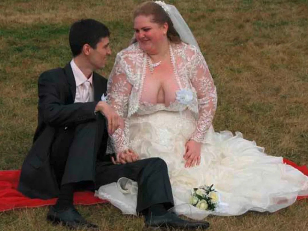 ugliest and dumbest wedding dresses that'll make you never want to get hitched