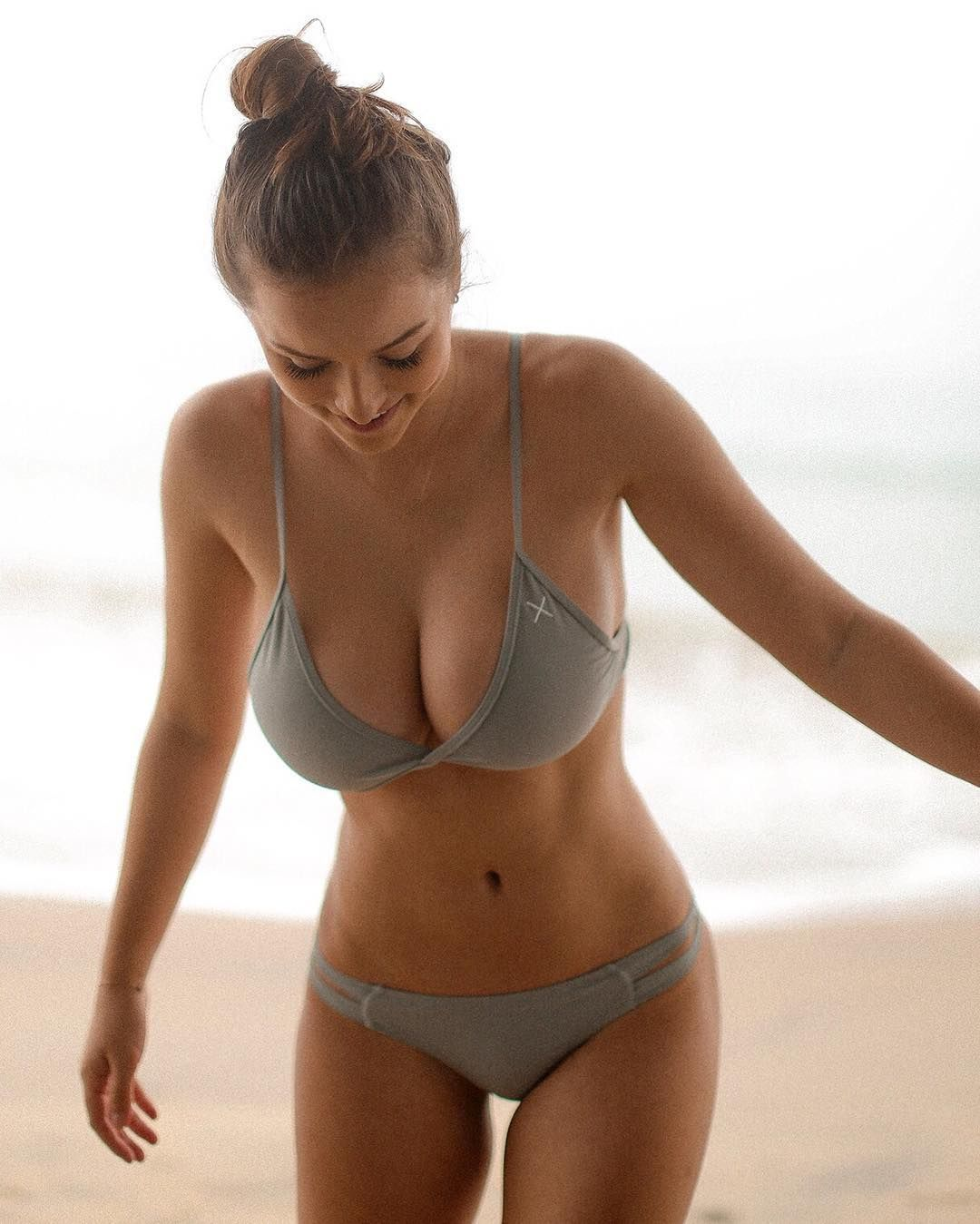 sophie mudd is the hottest thing you'll see today