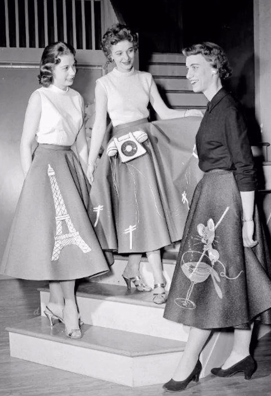 poodle skirt: the fun 50s fashion trend that won't die