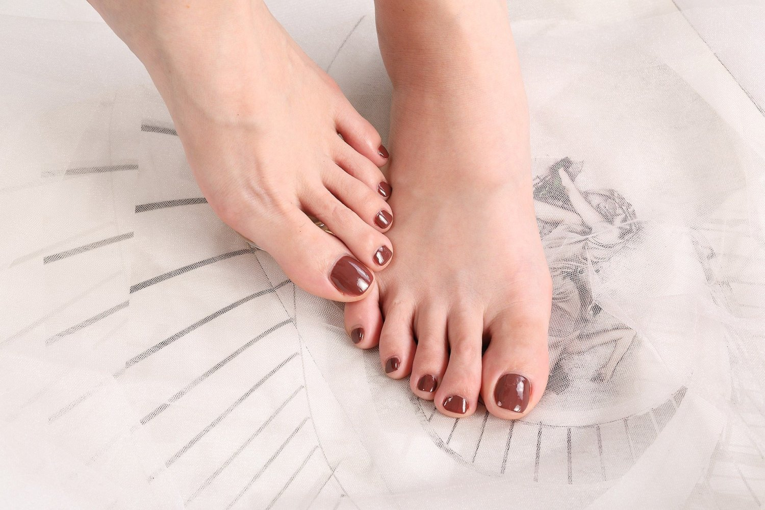 toenails falling off: what to do, common causes, and concerns