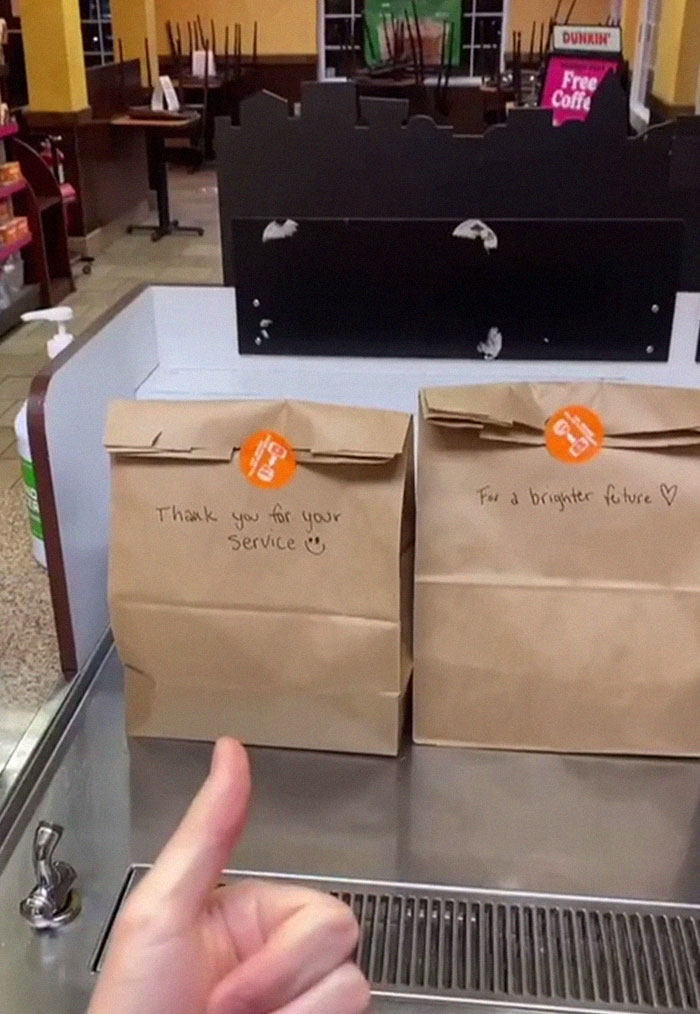 guy can't stand throwing away hundreds of donuts at his job, ends up giving them to the homeless, gets fired