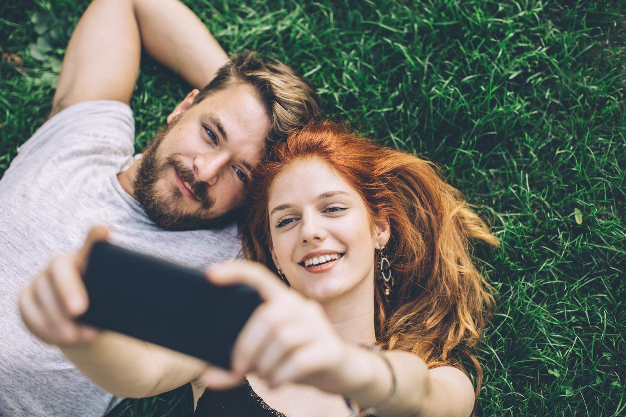study finds that couples who constantly post selfies are more miserable in real life