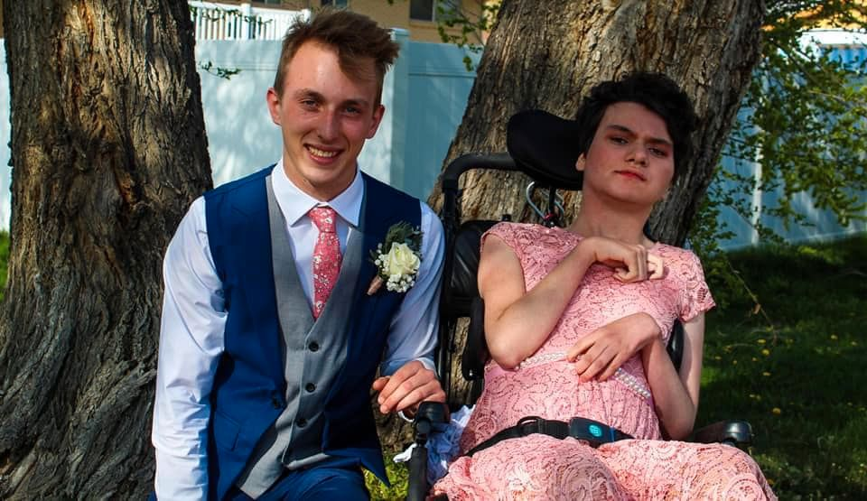 teen surprises girl with special needs with sweet prom-posal