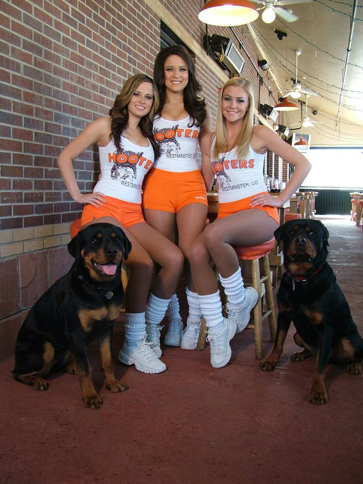 17 rules hooters girls need to follow