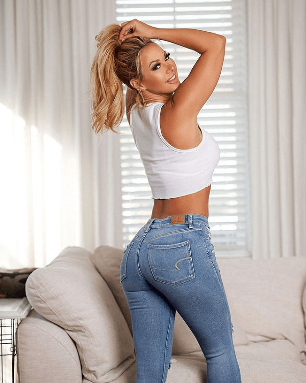 Kindly Myers Shares Her Gorgeous Instagram Pics