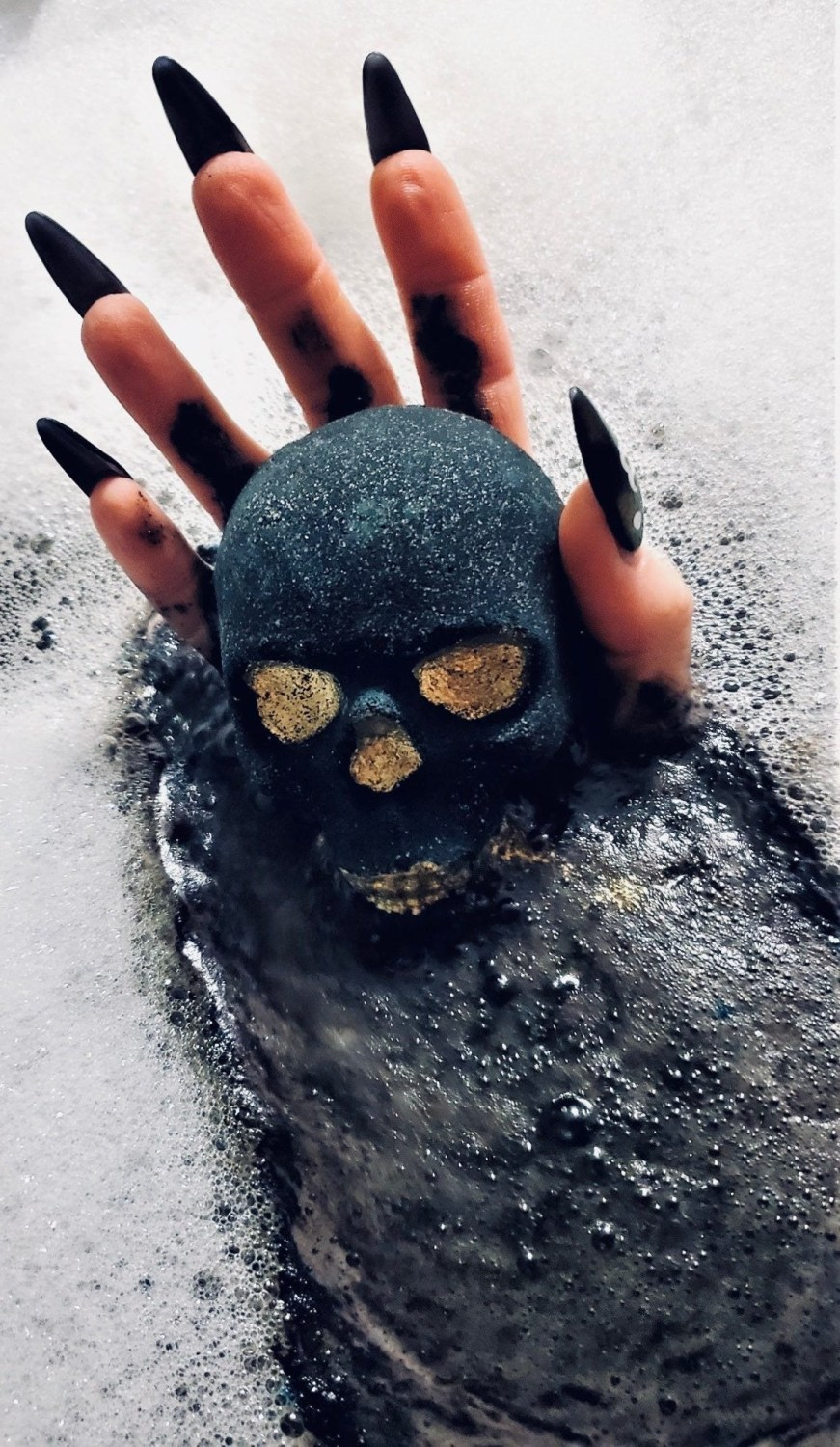 You Can Get A Sparkly Skull Bath Bomb To Get Ready For The Spooky Season And I Need One Now