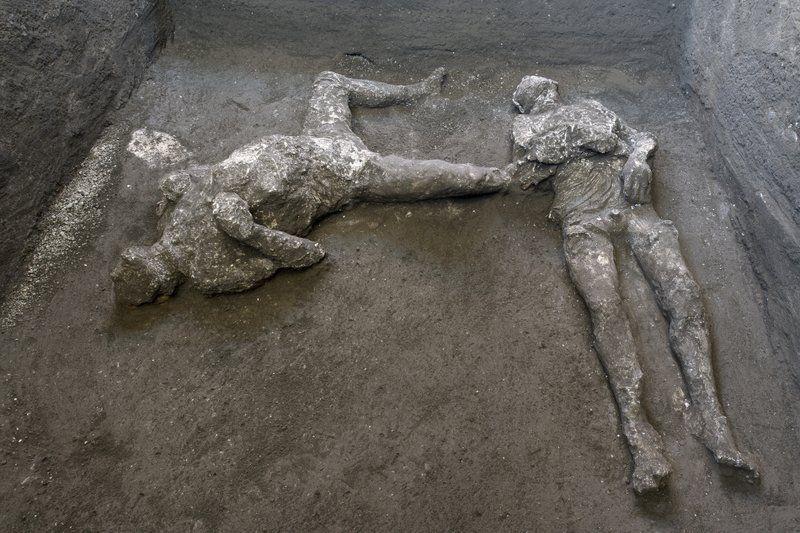 14 Photos Show How Pompeii's Bodies Were Frozen In Time