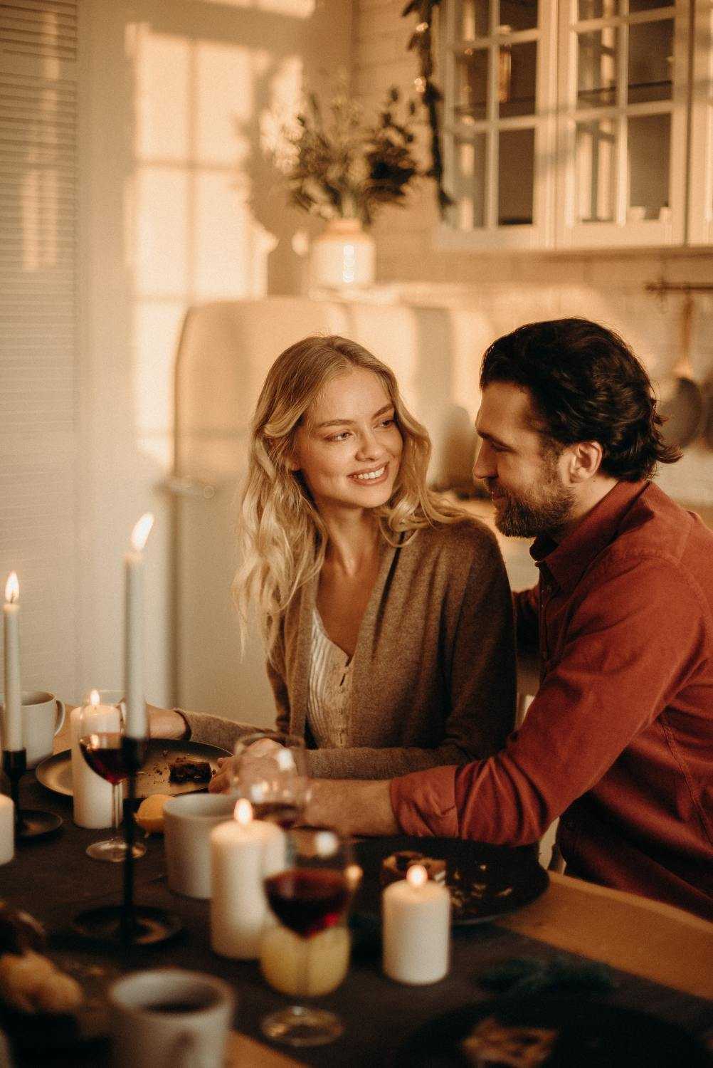 20 Ways To Show Her You Love Her Without Telling Her