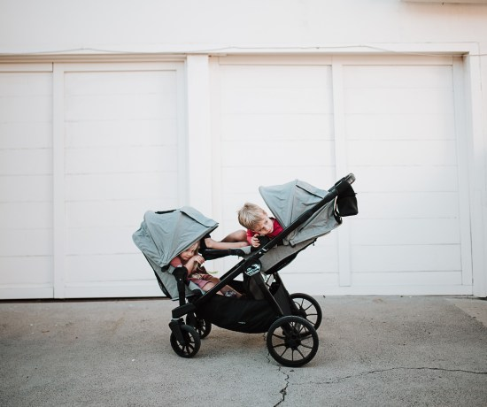 5 reasons why I love the Baby Jogger City Select LUX and why you will too. Considering a Tandem stroller, read why we love the City Select LUX | thoughtsbyb.com