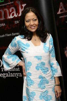 Ida Nerina: bed-ridden, but still judge-mental. Get well soon. :)