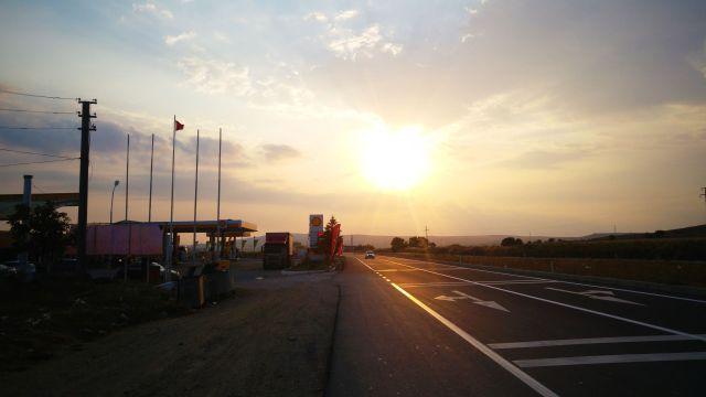 Lever de soleil sur la route vers Canakkale