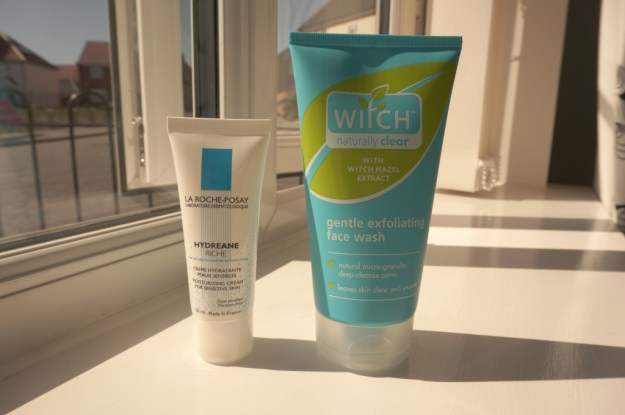 witch exfoliating face wash la roche posay