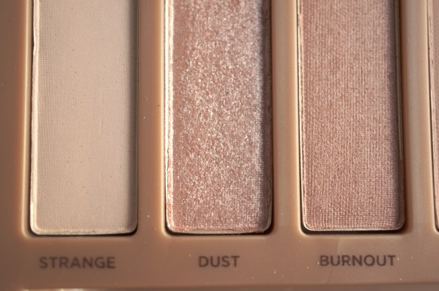 urban decay naked 3 strange dust burnout