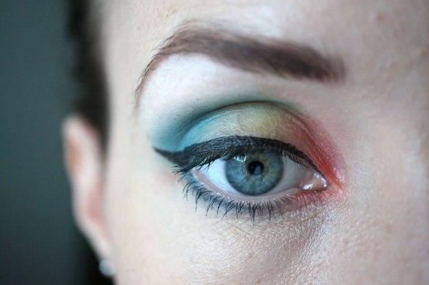 rainbow-eyeshadow-look