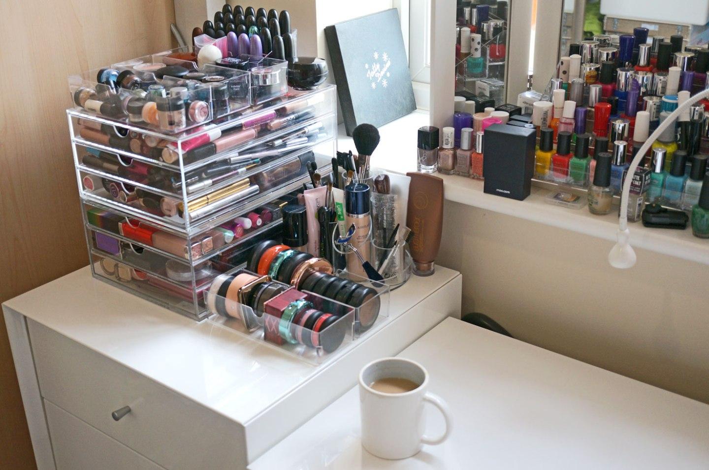 my-makeup-acrylic-storage