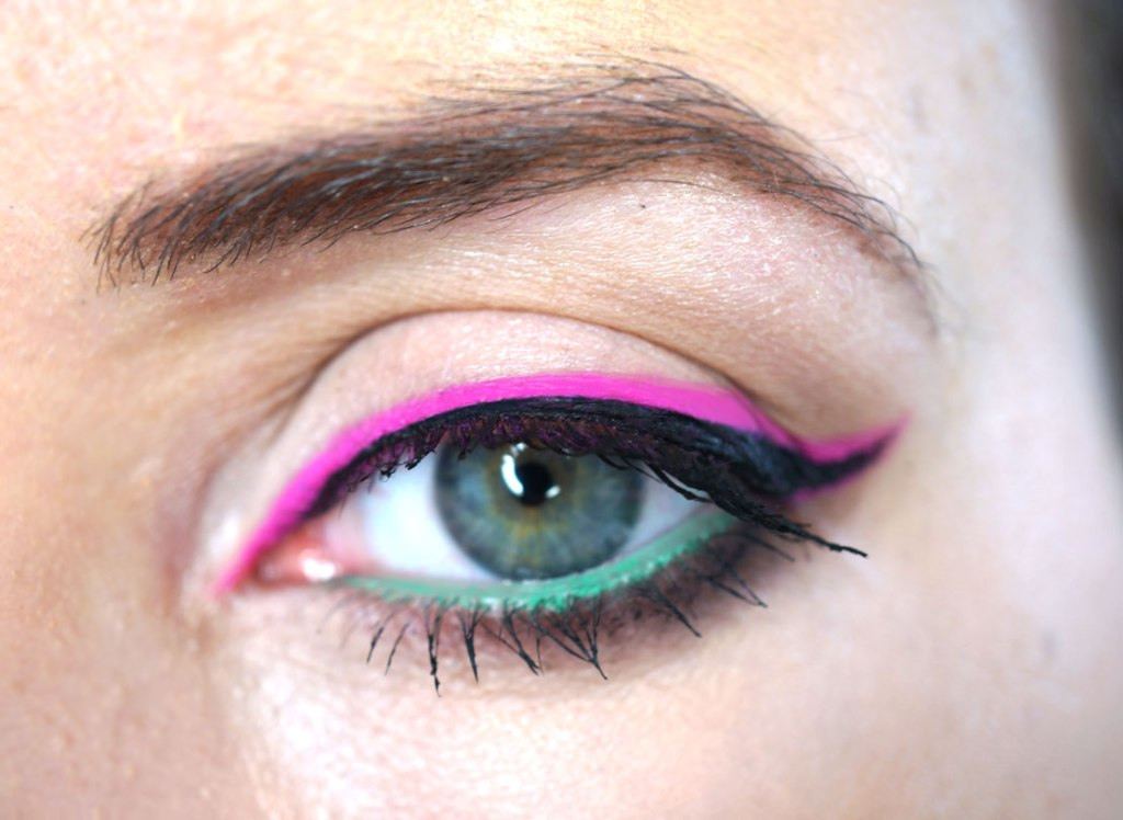How To Wear PINK Eyeliner! | Tutorial