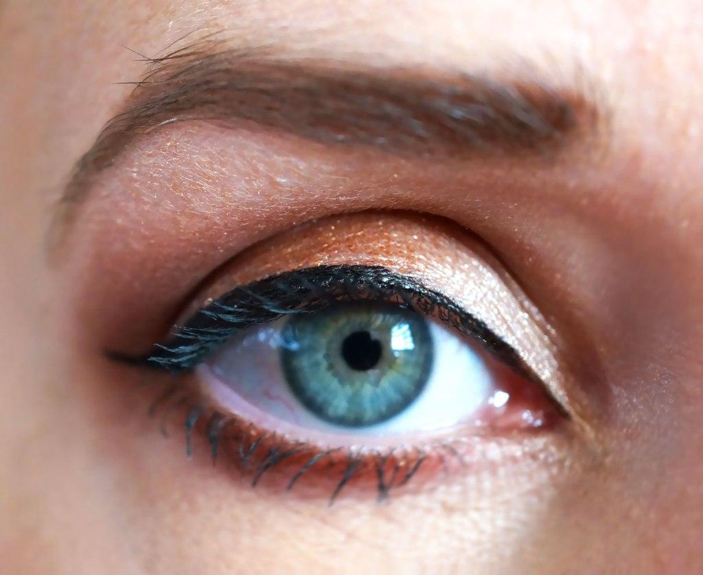 Charlotte Tilbury Dolce Vita Eye Makeup Look