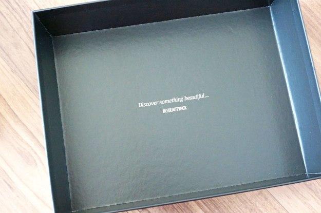 lookfantastic-beauty-box-inside