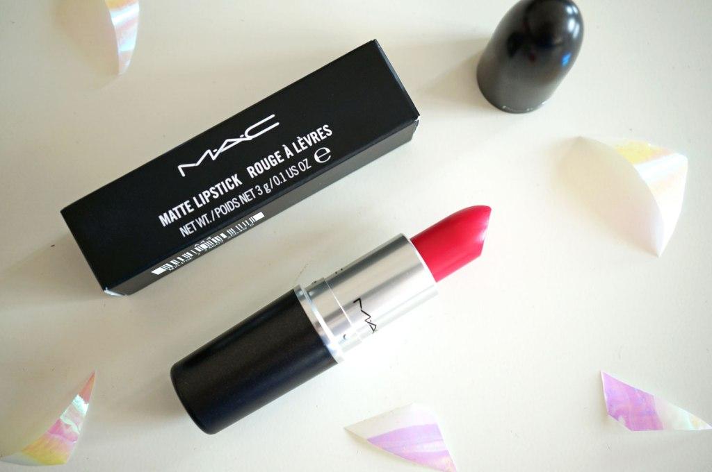 MAC A Novel Romance Good Kisser Lipstick | Review