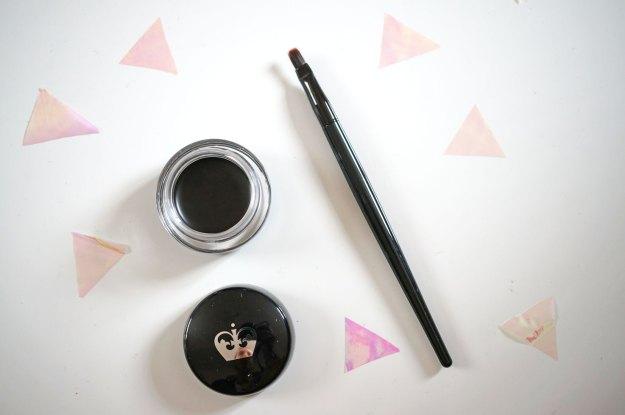 rimmel-scandaleyes-gel-eye-liner