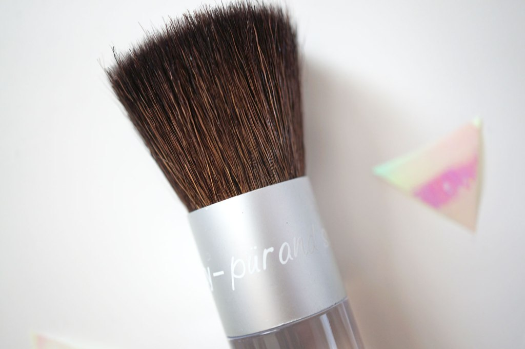 pur-minerals-brush