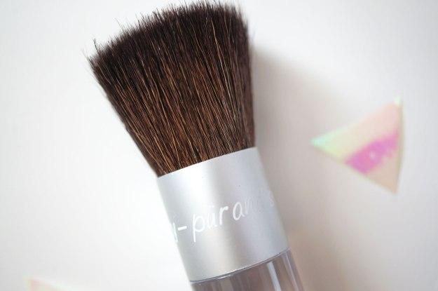 pur-minerals-brush