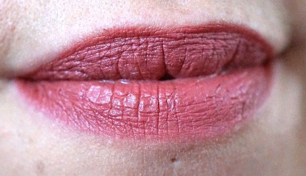 neve-cosmetics-amore-pink-lip-pencil