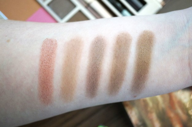 naked-on-the-run-eyeshadow-swatches