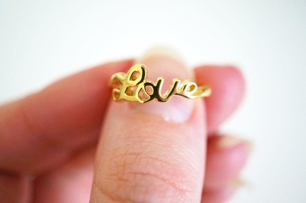 valentines-gold-love-ring