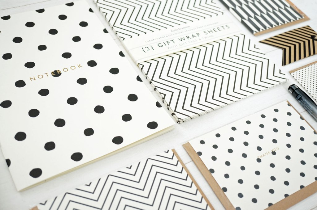 katie-leamon-monochrome-stationery