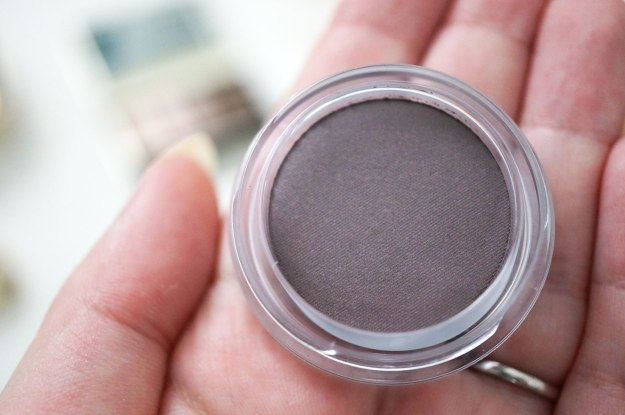clarins-Ombre-Matte-eyeshadow-heather