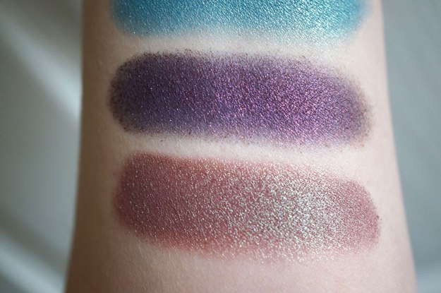 neve-eyeshadow-swatches-2