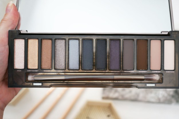 urban-decay-naked-smoky-palette-review