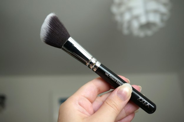 zoeva-129-cream-cheek-brush