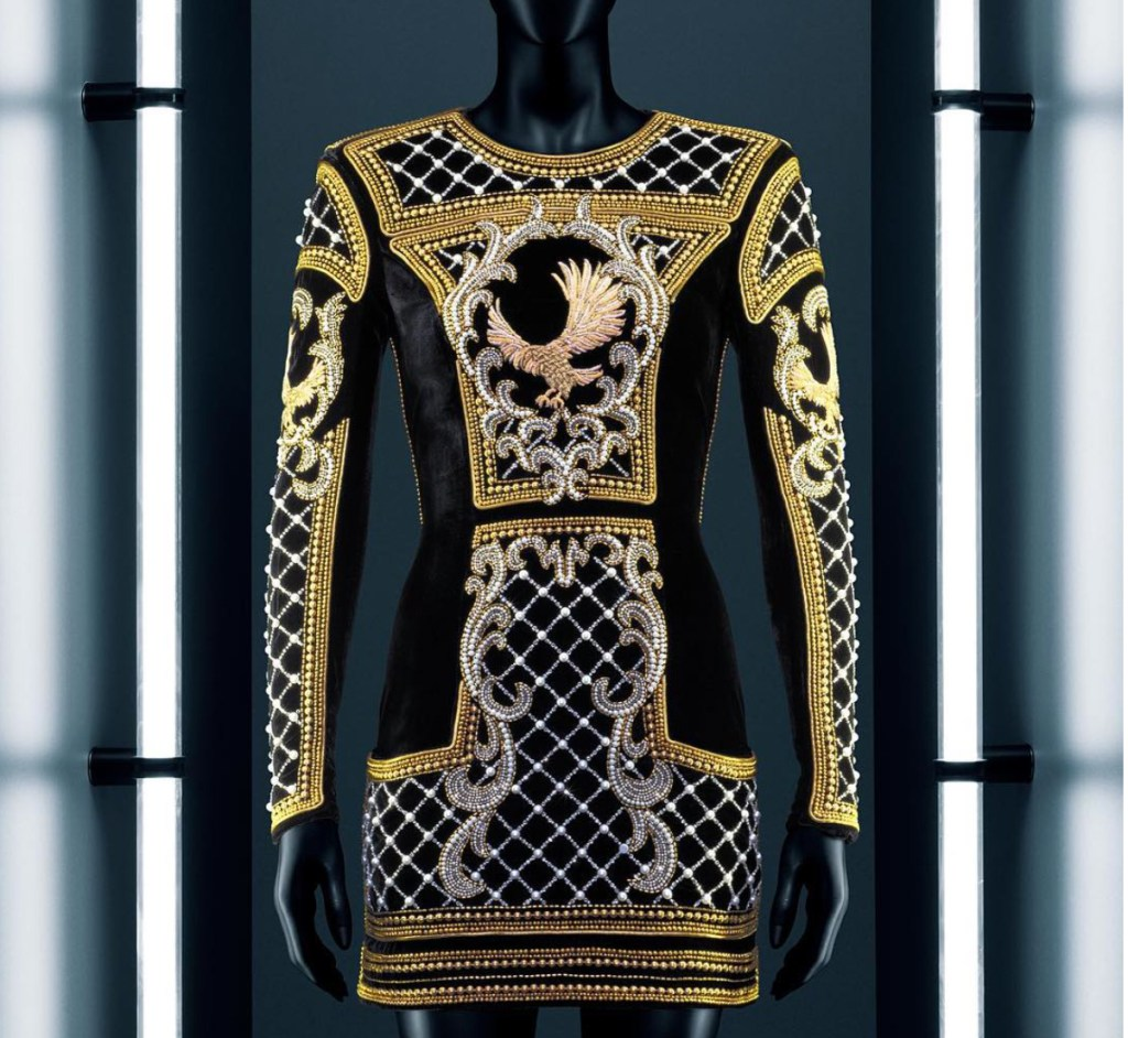 hm-balmain-gold-trophy-dress