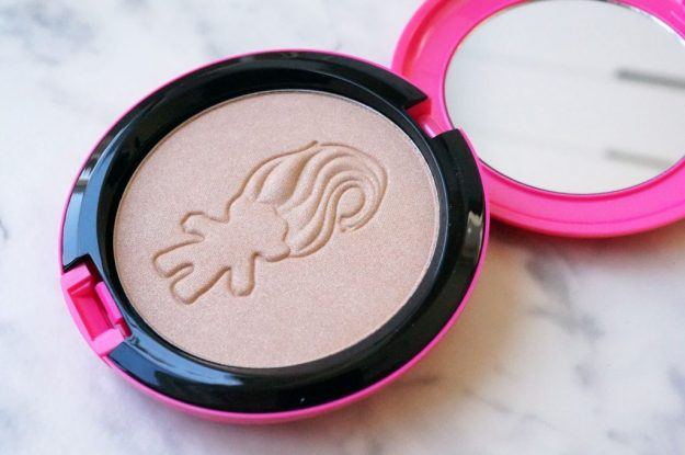 mac-good-luck-trolls-glow-rida-beauty-powder
