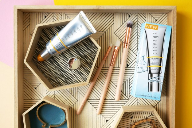Elizabeth-Arden-Prevage-City-Smart-Hydrating-Shield-review