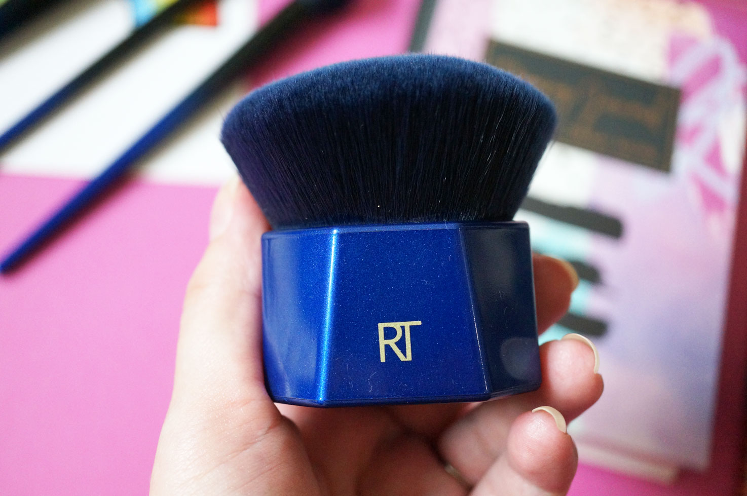 ... expensive makeup brushes. Real Techniques have re-created their own synthetic version of blue squirrel hair with their new FauxBleu™ Technology – they ...