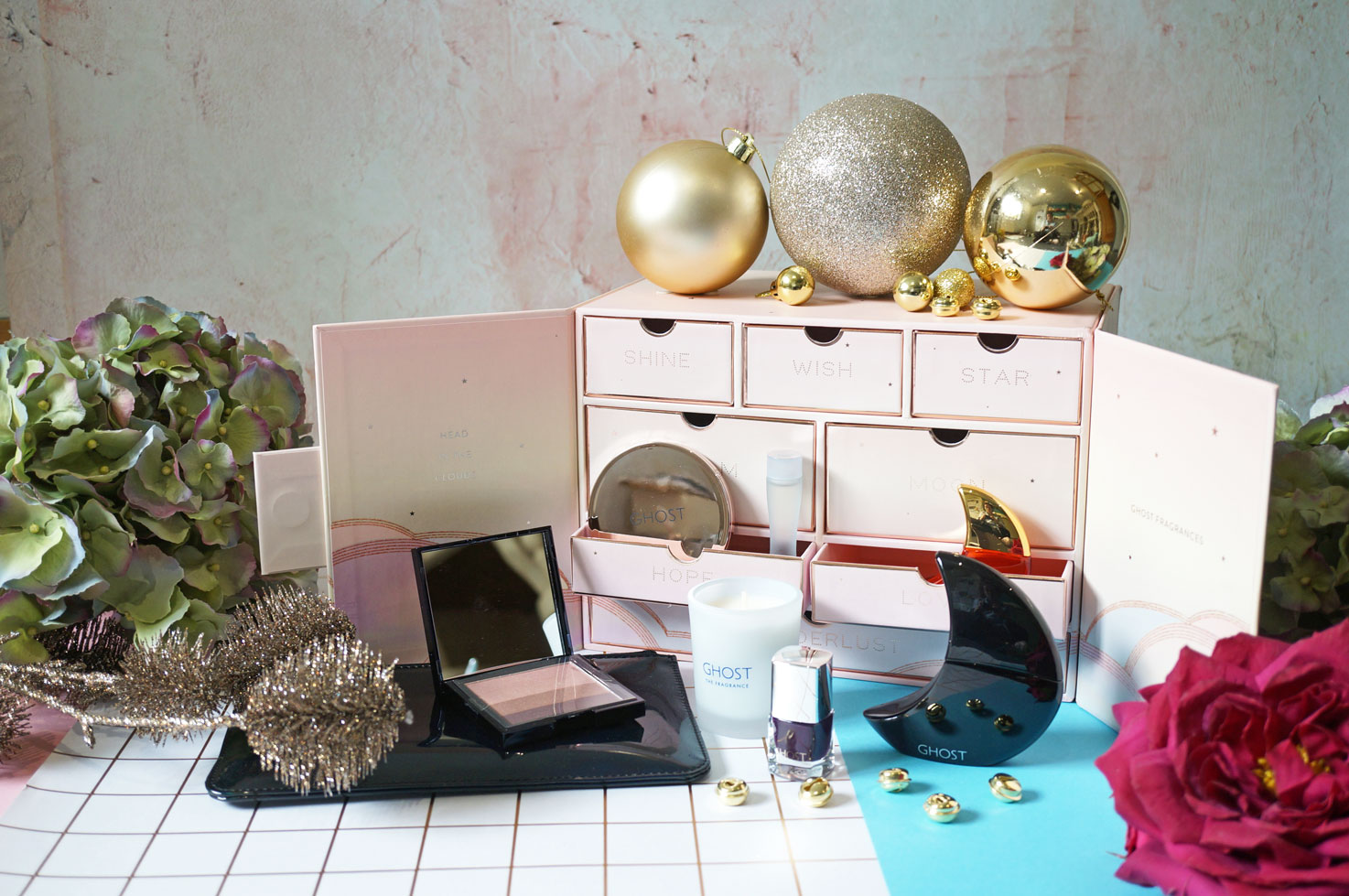 Christmas: The Ghost Fragrance Beauty Collection Gift Set