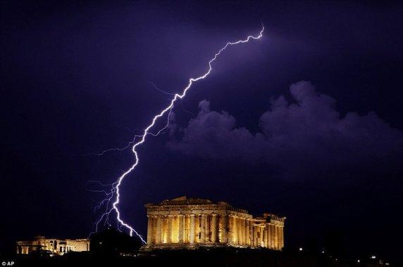 acropolis_thunder