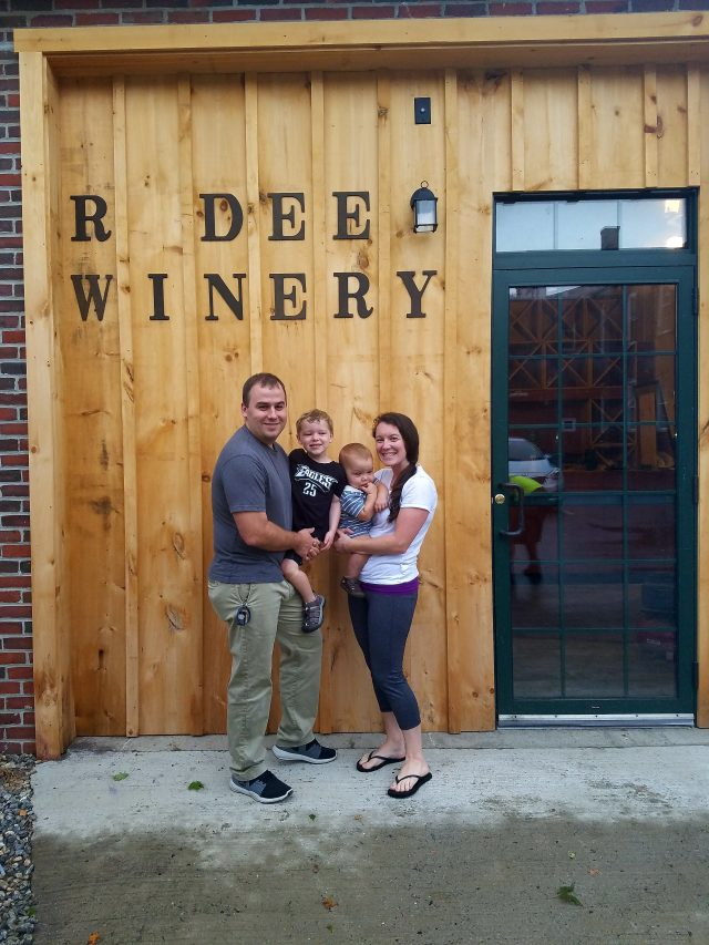 R Dee Winery_Winemaking_Women Winemaker_Connecticut_Connecticut Wine_Wine_Wine tasting
