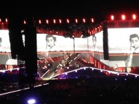 This picture shows how large the big screens actually were. I think they might have been HD too because wow that picture. You can almost see Zayn'z perfectly chiseled jaw line.
