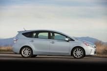 2012-Toyota-Prius-Side-View-2-1024x682