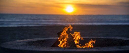 Bonefire at Dockwelier Beach